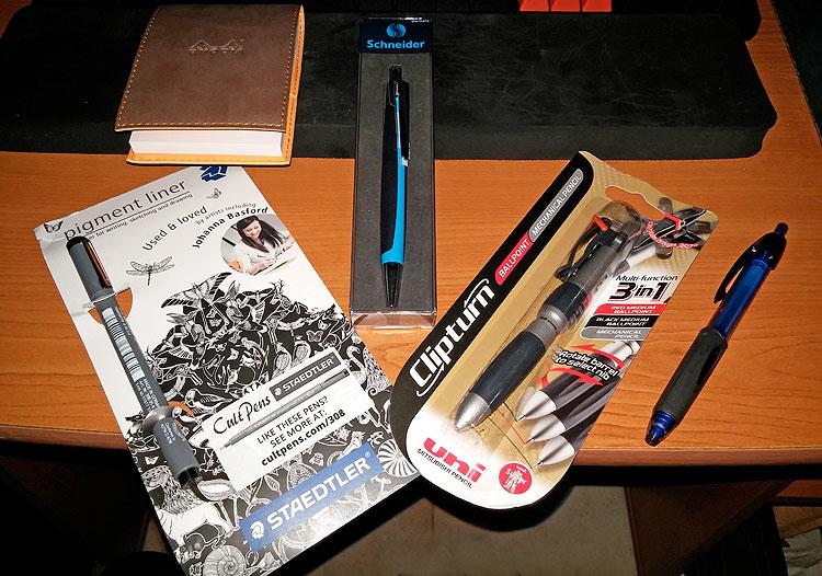 עטים ופנקס מ-Cult Pens